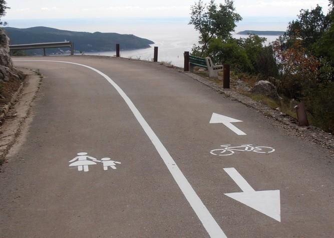 Велопешеходная дорога у села Камено. Фото: Rtcg.me